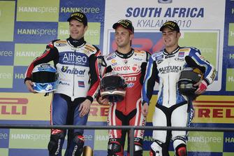 Podium: Racewinnaar Michel Fabrizio, Ducati Team, tweede plaats Carlos Checa, Althea Racing, derde plaats Leon Haslam, Team Suzuki Alstare