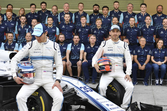 Sergey Sirotkin, Williams Racing and Robert Kubica, Williams at the Williams Racing Team Photo