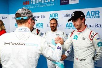 Stoffel Vandoorne, HWA Racelab, Gary Paffett, HWA Racelab, Oliver Turvey, NIO Formula E Team