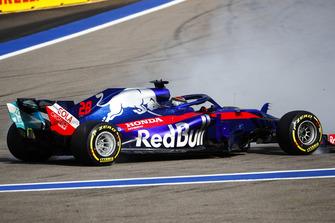 Brendon Hartley, Toro Rosso STR13 en tête-à-queue