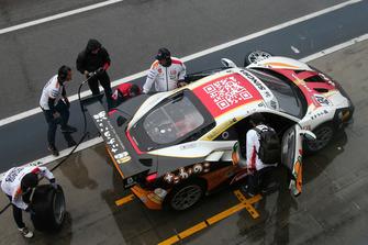 #424 Ferrari 488, M Auto Hiroshima: Go Max