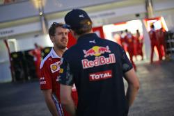 Sebastian Vettel, Ferrari et Max Verstappen, Red Bull Racing