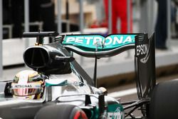 Lewis Hamilton, Mercedes AMG F1 W07 Hybrid arka kanat
