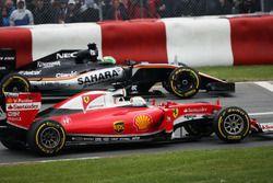 Sebastian Vettel, Ferrari SF16-H et Nico Hülkenberg, Sahara Force India F1 VJM09