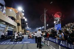 Le vainqueur Nico Rosberg, Mercedes AMG F1 Team, célèbre sa victoire au parc fermé