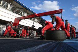 Mecánicos de Audi Sport Team Abt Sportsline
