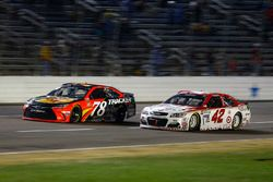 Martin Truex Jr., Furniture Row Racing Toyota, Kyle Larson, Chip Ganassi Racing Chevrolet