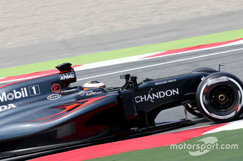 Stoffel Vandoorne, McLaren MP4-31 Test and Reserve Driver