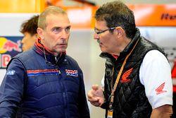 Livio Suppo, jefe de equipo del equipo Repsol Honda, Carlo Fiorani