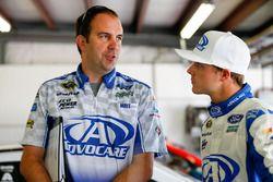 Trevor Bayne, Roush Fenway Racing Ford con su jefe de equipo, Matt Puccia