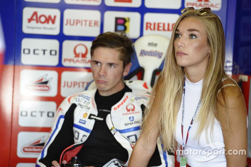 Scott Redding mit seiner Freundin bei GP Tschechien ...