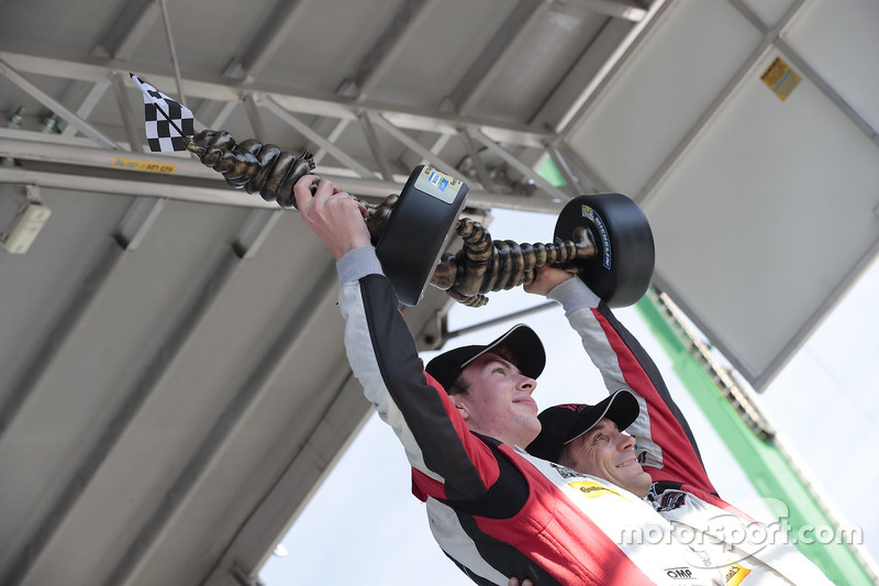 Podio GTD: al primo posto Madison Snow, Bryan Sellers, Paul Miller Racing