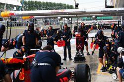 Команда Red Bull Racing тренирует пит-стоп