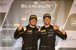 Ganador de la pole #58 Garage 59 McLaren 650S GT3: Alvaro Parente y el segundo lugar #59 Garage 59 M