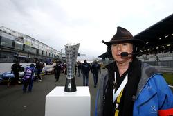 James Glickenhaus met zijn Pole award