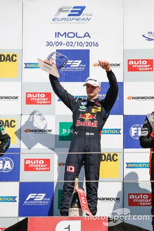 Rookie Podium: Niko Kari, Motopark Dallara F312 – Volkswagen