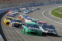 Start: Austin Dillon, Richard Childress Racing Chevrolet leads