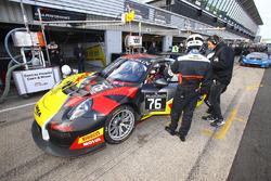 #76 IMSA Performance, Porsche 911 GT3 R: Raymond Narac, Thierry Cornac, Maxime Jousse
