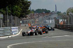 Start, Yellow flags, crash, track guards, Start, sarı bayrak, kaza, HitechGP Dallara F312 – Mercedes