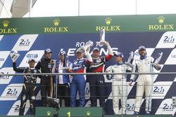 Подиум GT3: победители гонки Алексей Басов и Виктор Шайтар, AF Corse, второе место – Хироши Хамагучи, Эдриан Куэйф-Хоббс, FFF Racing Team, третье место – Эгидио Перфетти, Клаус Бахлер, Mentos Racing