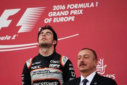 Le troisième, Sergio Pérez, Sahara Force India F1 sur le podium