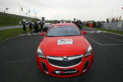 TCR Opel en la parrilla