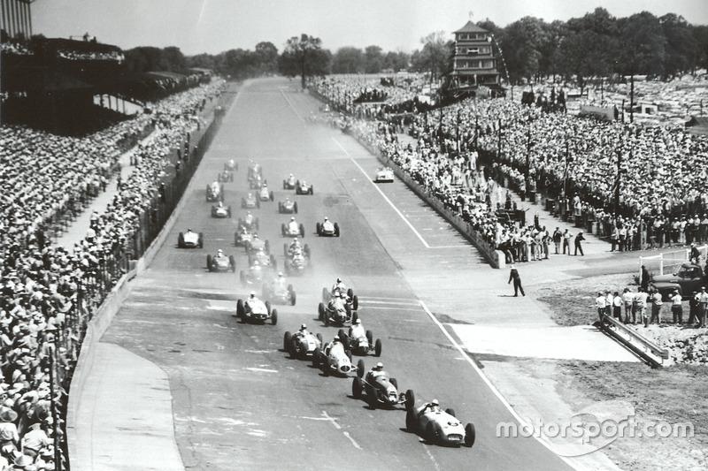 1955 en volle tribunes