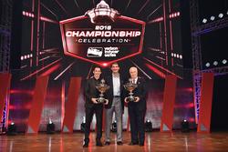 Champion Simon Pagenaud, Team Penske Chevrolet with Roger Penske and Tim Cindric
