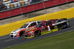 Jamie McMurray, Chip Ganassi Racing Chevrolet, Tony Stewart, Stewart-Haas Racing