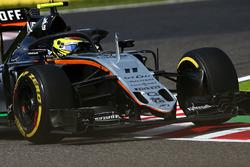 Sergio Perez, Sahara Force India F1 VJM09 mit dem Halo-Cockpitschutz