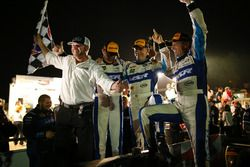 Winnaars #60 Michael Shank Racing with Curb/Agajanian Ligier JS P2 Honda: John Pew, Oswaldo Negri Jr
