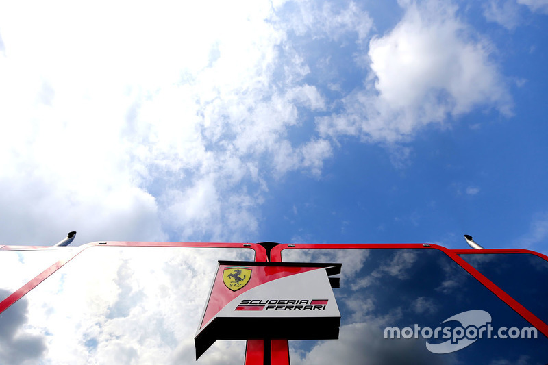 Motorhome der Scuderia Ferrari
