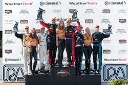 Overall podium: ganadores, Eric Curran, Dane Cameron, Action Express Racing, segundos, Christian Fit
