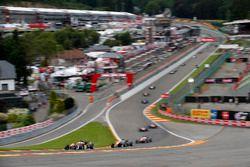 Nick Cassidy, Prema Powerteam, Dallara F312 – Mercedes-Benz; George Russell, HitechGP, Dallara F312