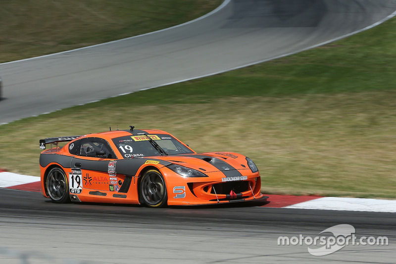 #19 Performance Motorsports Group Ginetta GT4: Parker Chase