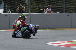 Andrea Iannone, Ducati Team, Jorge Lorenzo, Yamaha Factory Racing crash