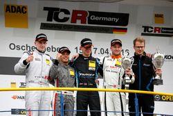 Podium: bester Junior Dominik Fugel, Team Honda ADAC Sachsen, Honda Civic TCR; 2. Benjamin Leuchter,