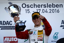 Podio: ganador Mick Schumacher, Prema Powerteam