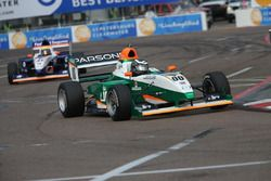 Jake Parsons, Juncos Racing, lidera a Nicolas Dapero