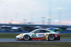 #30 Frikadelli Racing Porsche GT3 R: Klaus Abbelen, Patrick Huisman, Frank Stippler, Sabine Schmitz, Sven Muller