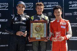 Course 3, le podium : le vainqueur Lando Norris, le deuxième Pedro Piquet, et le troisième Guan Yu Zhou