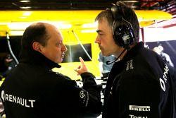 Nick Chester, Directeur Technique Châssis Renault Sport F1 Team et Frédéric Vasseur, Directeur Sportif Renault Sport F1 Team
