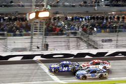 Chase Elliott, Hendrick Motorsports Chevrolet, Dale Earnhardt Jr., Hendrick Motorsports Chevrolet, R