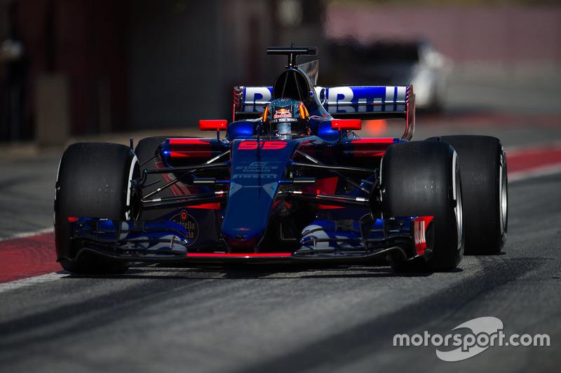 1ere : Toro Rosso STR12