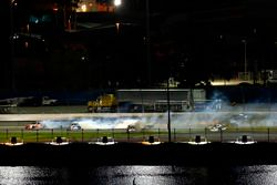 Crash: Tyler Reddick, Chip Ganassi Racing, Chevrolet