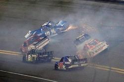 "Crash: ""Big One"" mit Austin Cindric, Brad Keselowski Racing, Ford"