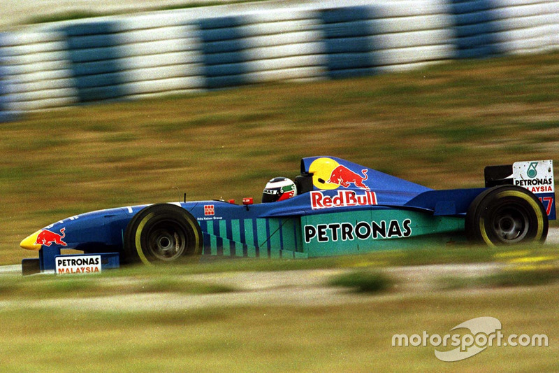 1997: Sauber-Petronas C16 (один подиум, 7-е место в КК)