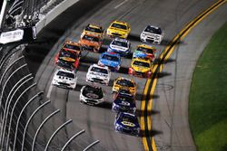 Chase Elliott, Hendrick Motorsports Chevrolet takes the checkered flag