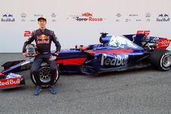 Daniil Kvyat, Scuderia Toro Rosso con el Scuderia Toro Rosso STR12