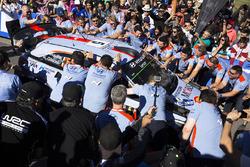 الفائز بالرالي تييري نوفيل ونيكولاس غيلسول، هيونداي آي20كوبيه دبليو آر سي، هيونداي موتورسبورت